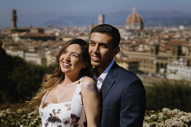 Private Photo Session with a Local Photographer in Arezzo