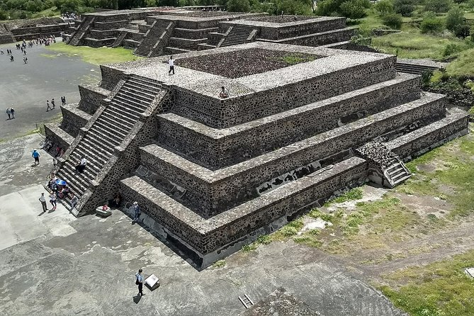 Day trip to Teotihuacan and the Pyramids photo 9
