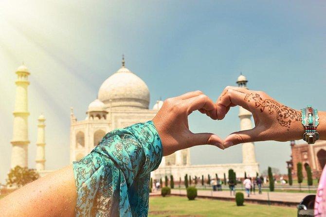 1 Day Taj Mahal Sunrise Tour with Fatehpur Sikri