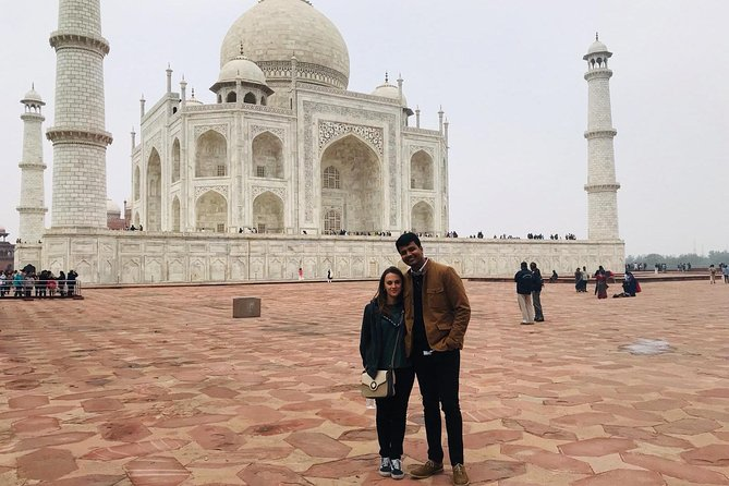Taj Mahal Tour Including Lunch from Delhi By Car photo 7