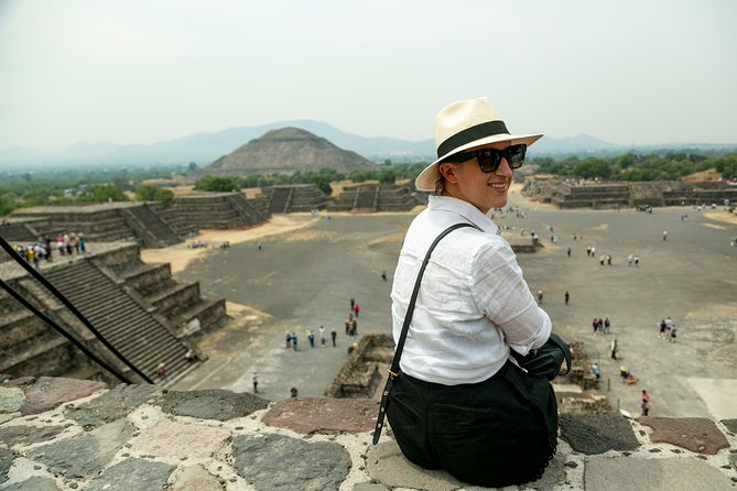 Day trip to Teotihuacan and the Pyramids photo 1