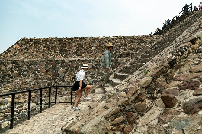Day trip to Teotihuacan and the Pyramids photo 4