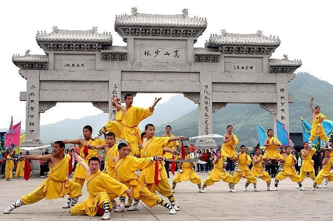 Private day tour to Yellow river Scenic Spot &Shaolin temple start in Zhengzhou