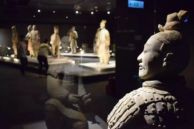 Private Tour: Terracotta Warriors and Xi'an Old Downtown Bike Tour