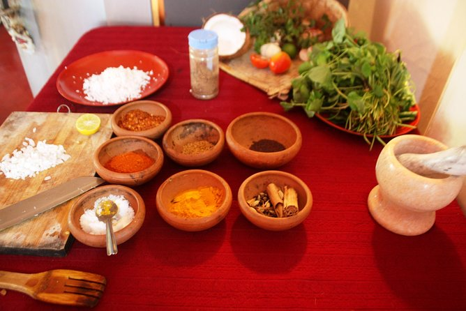 Private Market Tour and Sri Lankan Cooking Class in Colombo with a Local