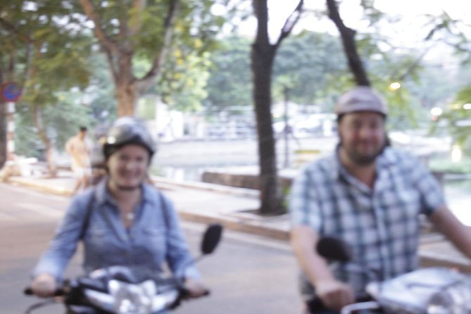 Hidden Hanoi motorbike night food tour