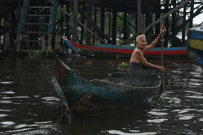 Kampong Khleang Floating Village photo 2