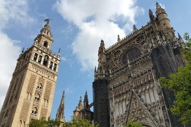 Seville: Alcazar, Cathedral and Giralda Skip-The-Line Guided Tour