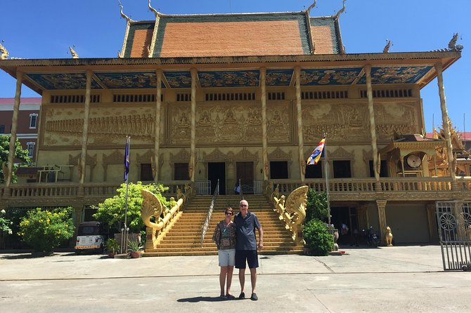 See the major sights in and around Phnom Penh!