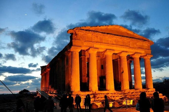 Tour of Agrigento with lunch in winery and visit guided of winery