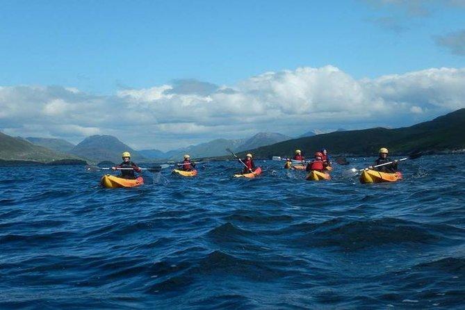 Kayak de mer le long de la côte. Mannin Bay, Connemara.Guided. 2 heures et demie