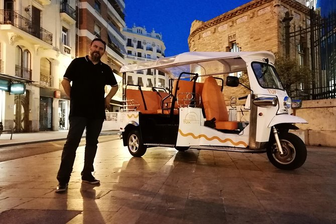 Discover Valencia at Tuk Tuk