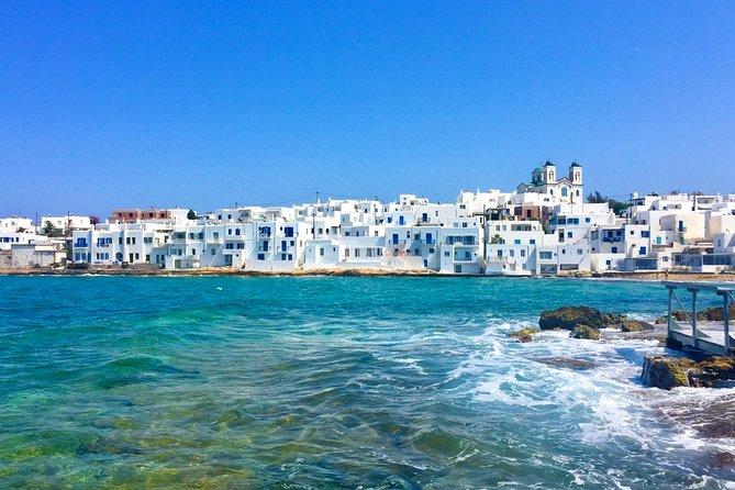 City walk / photo walk tour of Naoussa, harbour village of Paros