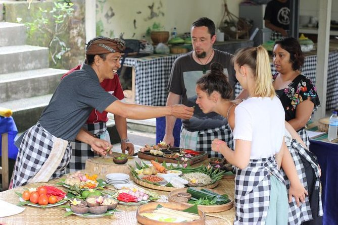 Balinese Cooking Class & Tanah Lot Temple Visit - Private & All-Inclusive