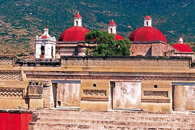Private Family Tour including Mitla, Mezcal Factory and Natural Colored Rugs