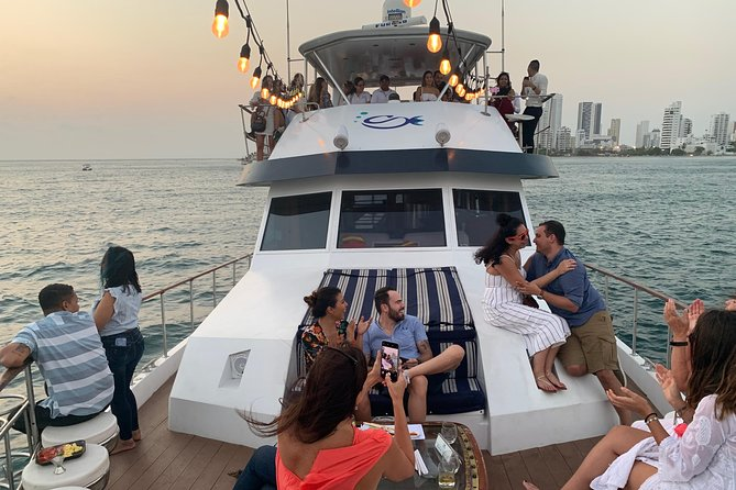 Sibarita Master 85' luxury 90 min Sunset Tour Open Bar