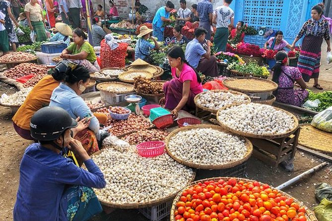 Yangon Morning Market and Food Tour