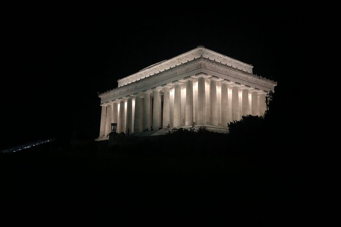 Private Tour of Washington DC at Night with a Chauffeur.