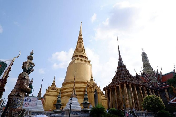 Private : Bangkok Temples & Long Tail Boat Trip Day Tour