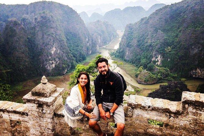 Hoa Lu - Mua Cave - Tam Coc: Biking, Boating, Buffet & Limousine transfer