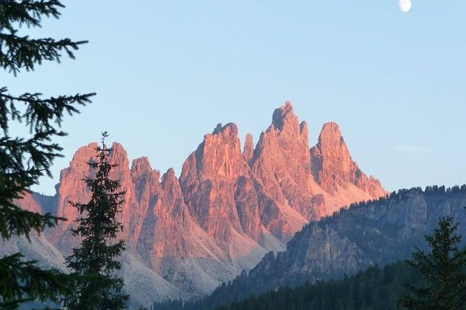 Daily tours in the Dolomites with departure and arrival in Cortina d'Ampezzo