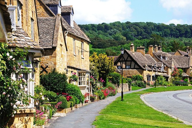 Shakespeare's Stratford-upon-Avon and Cotswolds Tour from London