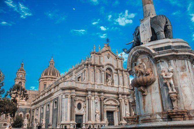 Discover Catania from fabulous viewpoints with your personal photographer