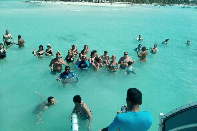 Sailing and Party Isla mujeres Unlimited Tour From Playa del Carmen