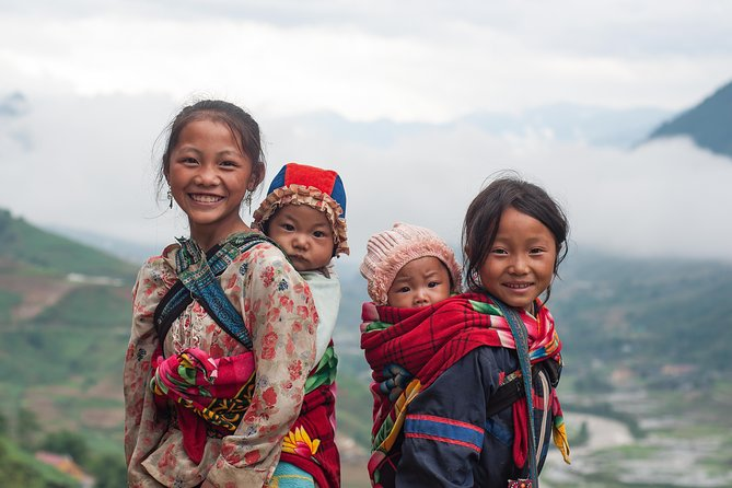 Sapa Trekking Tour 3 Days 2 Nights by Bus - Homestay & Hotel