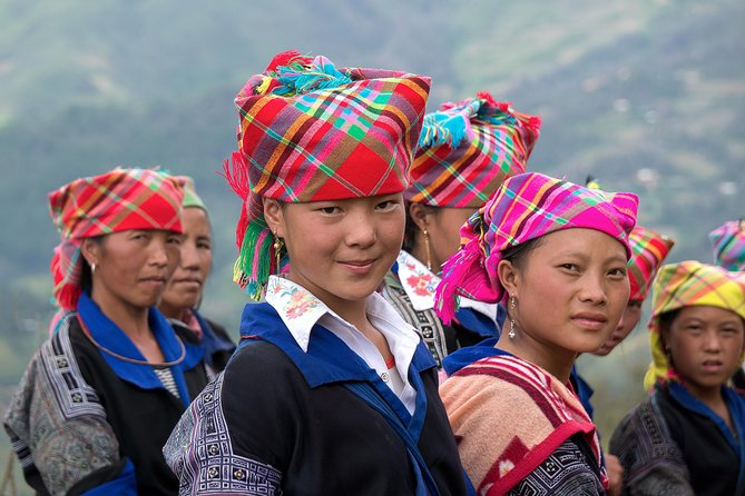 Sapa 3 Days 2 Nights Tour by Bus - with many options
