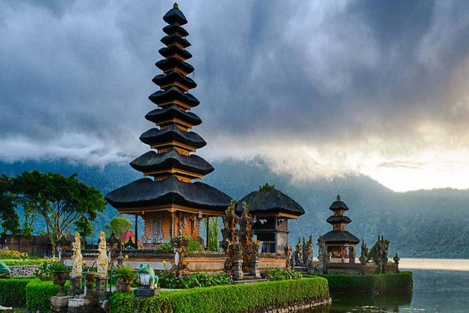 Bali Bedugul Tanah Lot Private Tour