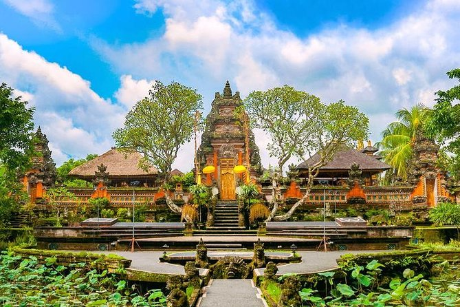 Puri Saraswati Tour & Bali Natural Hot Spring with Lunch