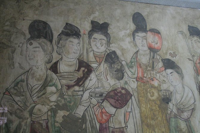 Private Xi'an 1-Day Tour to Famen Temple and Qianling Mausoleum