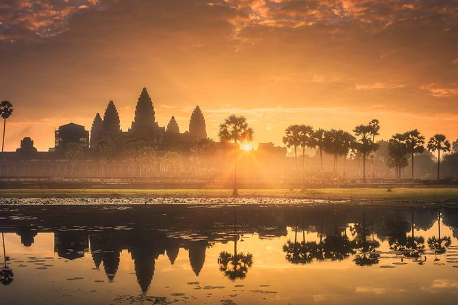 Angkor Wat Sunrise Jeep Tour with 4-Course Breakfast – Half Day