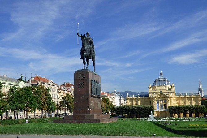 Private Transfer from Vienna to Zagreb with 2h of Sightseeing