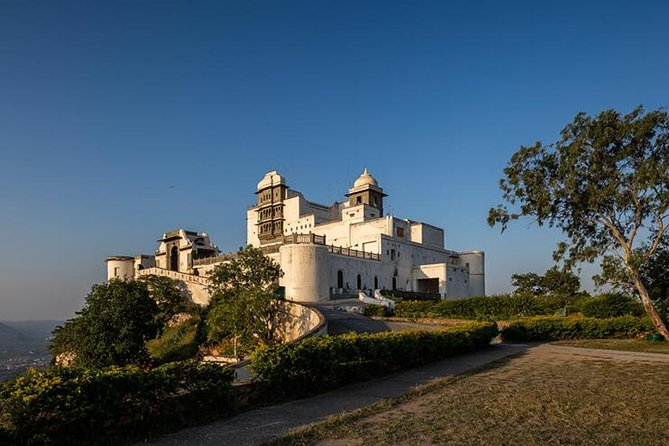 Private Day Tour: Udaipur to Sajjangarh fort (Monsoon Palace)