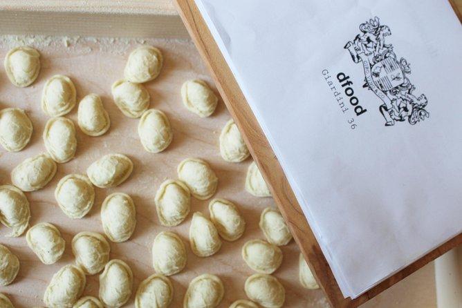 Cooking class - Hands in dough