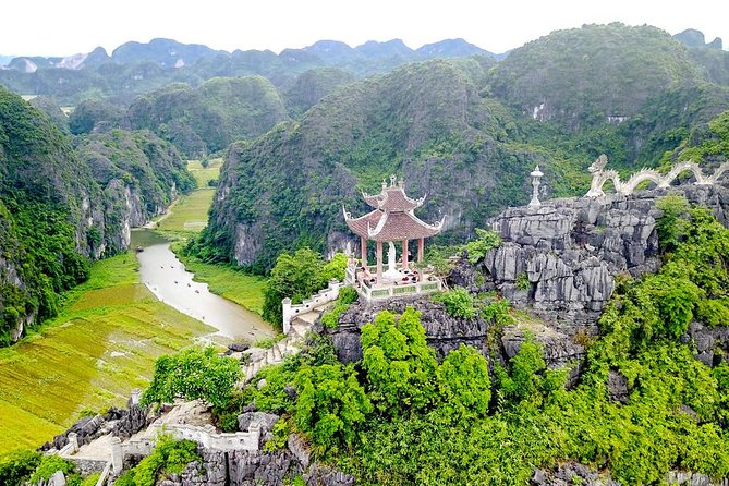 Mua Cave - Tam Coc - Bich Dong Pagoda Small Group Tour: Boating, Biking, Hiking photo 6