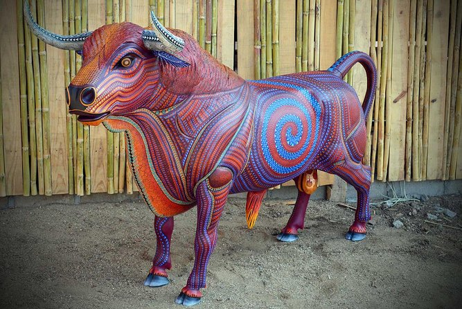 Private Day Tour including Artisan Villages of Alebrijes and Black Pottery