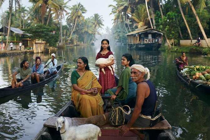 4 Days Best of Kerala Tour with Private houseboat & Car- Iris Holidays