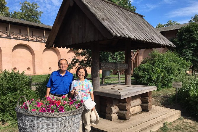 Day trip from Moscow to Vladimir & Suzdal by train with lunch at a local farm