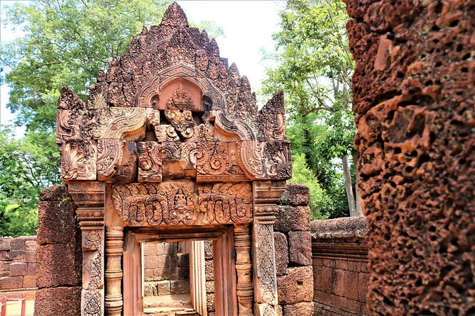 Full Day Banteay Srei and Grand Circuit Temples