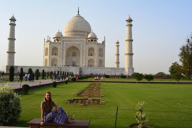 Private Sunrise Taj Mahal Tour by Car