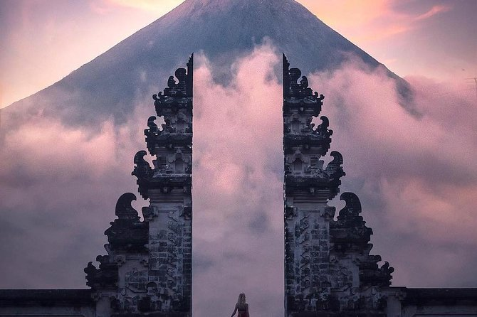 Best Of Instagram Tour - Sky Gate Of Heaven ( Lempuyang Temple )