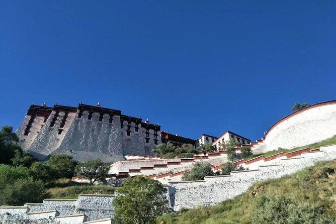 Besuchen Sie den Potala Palast mit einem lokalen tibetischen englischsprachigen Führer