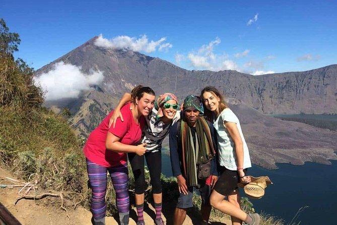 Hiking Rinjani Volcano To Crater rim Senaru 2 Days, Group - Syam Trekker