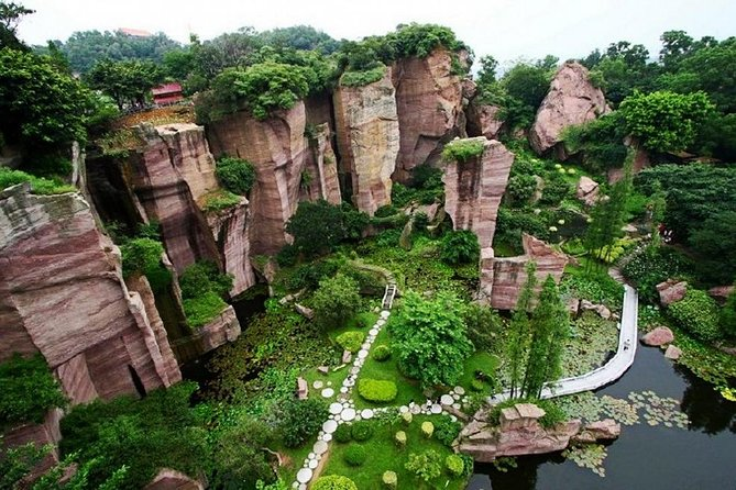 Private Day Tour to Lianhua Mountain and Shawan Town with Lunch from Guangzhou