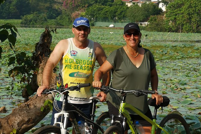 Cycling in Colombo Countryside