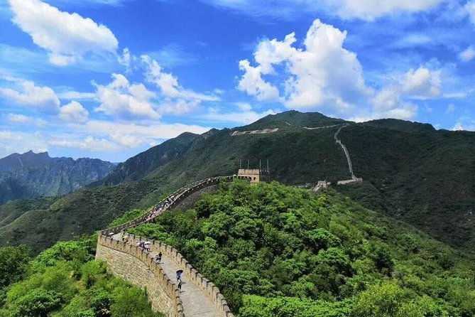 Mutianyu Great Wall share tour with lunch & tickets & pickup & cable car