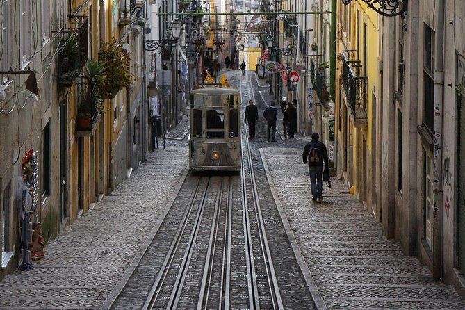 Lisbon Small Group Walking Tour photo 2